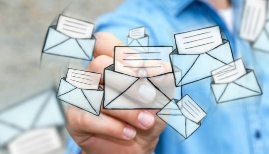 Kundenbefragung Newsletter Mails