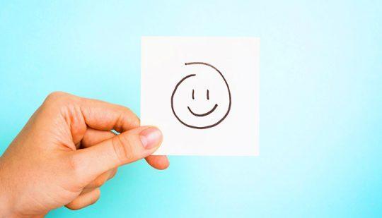 Mitarbeiterzufriedenheit & Loyalitaet Mitarbeiterzufriedenheit und Engagement Smiley