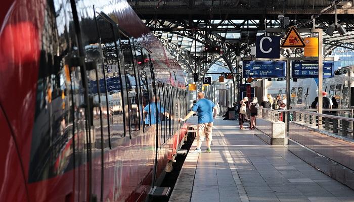 Bahn Hauptbahnhof