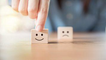 Smiley Wuerfel und Weinender Wuerfel