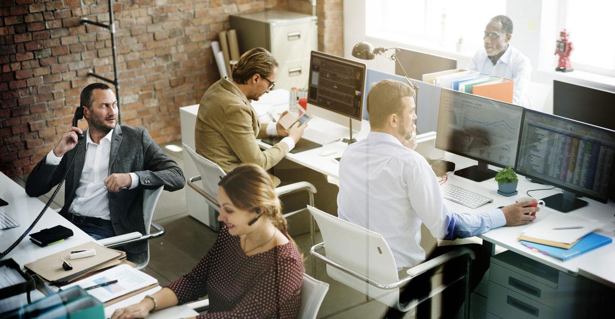 Büro mit Fachkräften