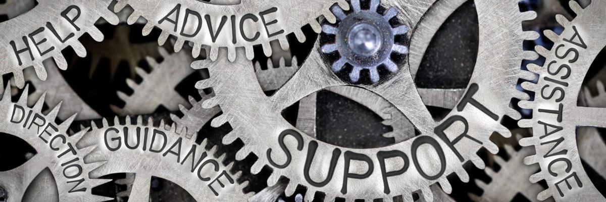 Service & Support Wörter auf Zahnräder
