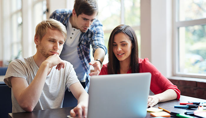 People discussing Webinar